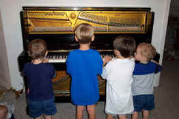 Learning how the piano works